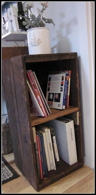 Bookshelf made from an old crate.