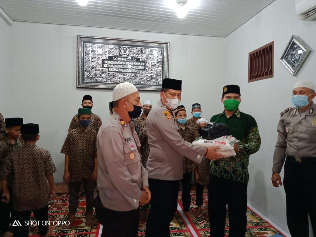 Kapolsek Medan Area Syukuran Memasuki Musholla Al Barokkah