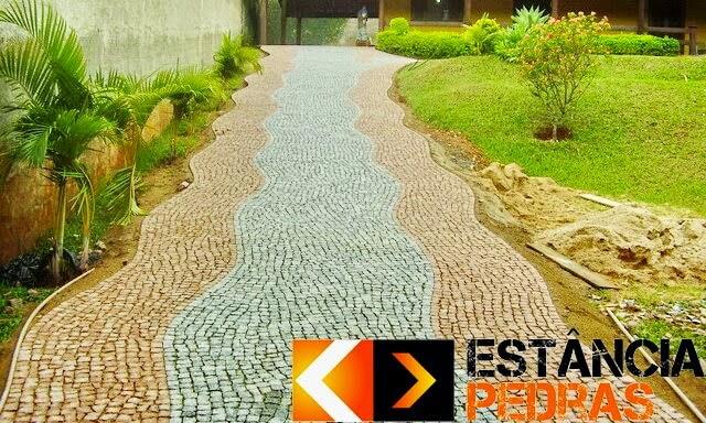 Mosaico Português de Granito