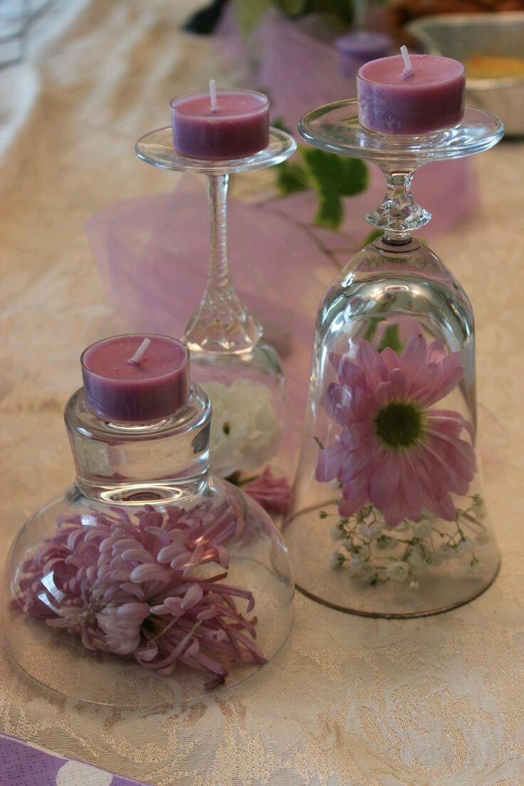 Centros de mesa usando copas de cristal for Decoracion para aniversario