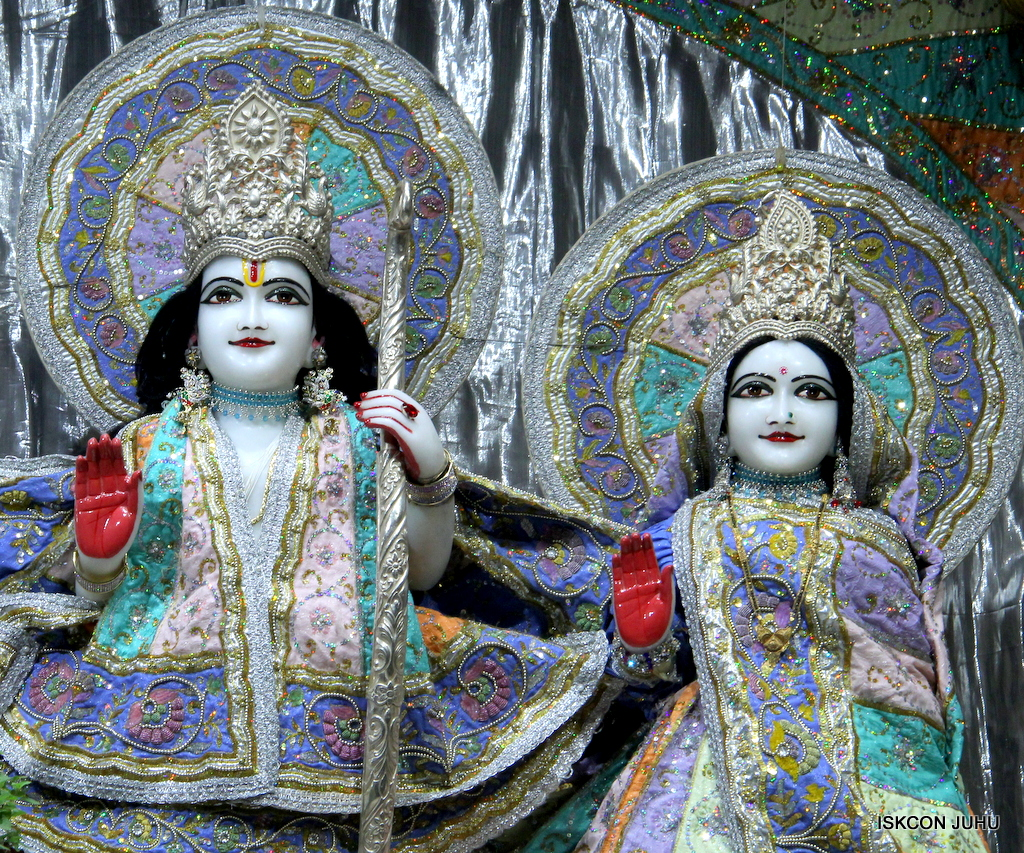 ISKCON Juhu Mangal Deity Darshan on 20th Oct 2016 (8)
