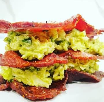 Keto Avolicious Bacon Sanga