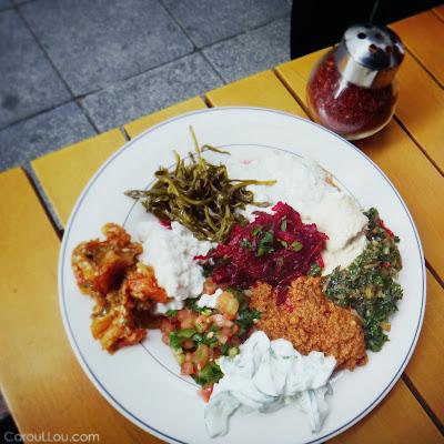 CarouLLou.com Carou LLou in Istanbul eating Asia side +
