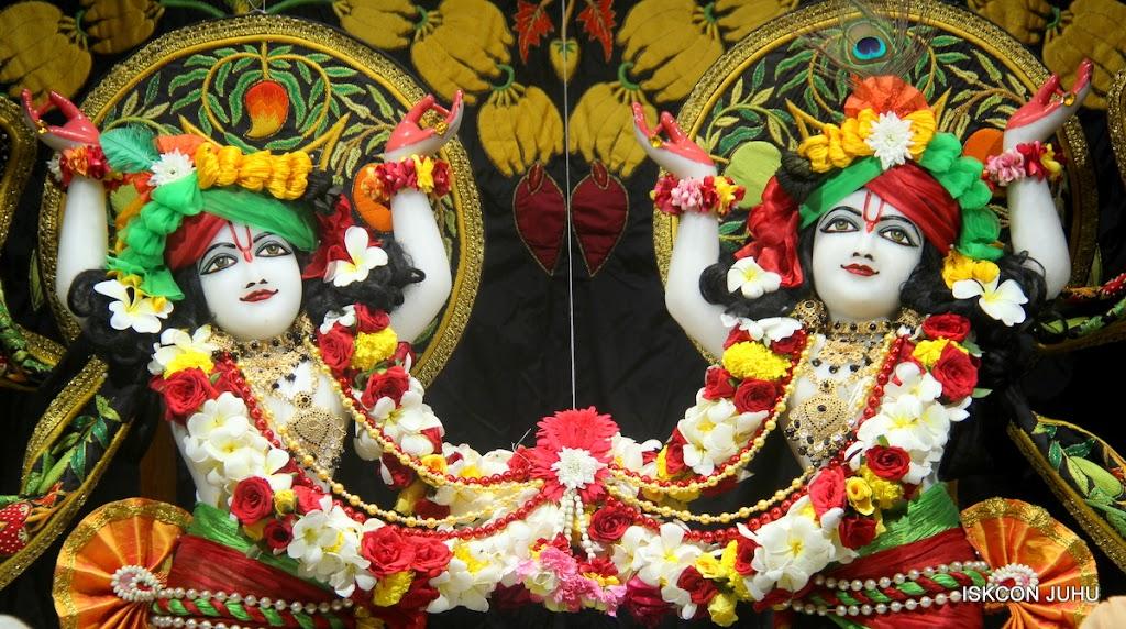 ISKCON Juhu Sringar Deity Darshan on 2nd July 2016 (41)