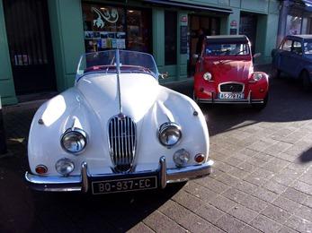 2018.12.17-010 Jaguar et Citroën 2 CV