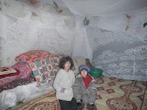 Většina rodin se snaží díky humanitární pomoci přečkat nejkritičtější dobu, aby se pak mohli vrátit do svých domovů. (Foto: Archiv ČvT)