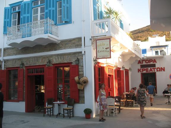Tienda de pastas y confituras en Katápola, Amorgós
