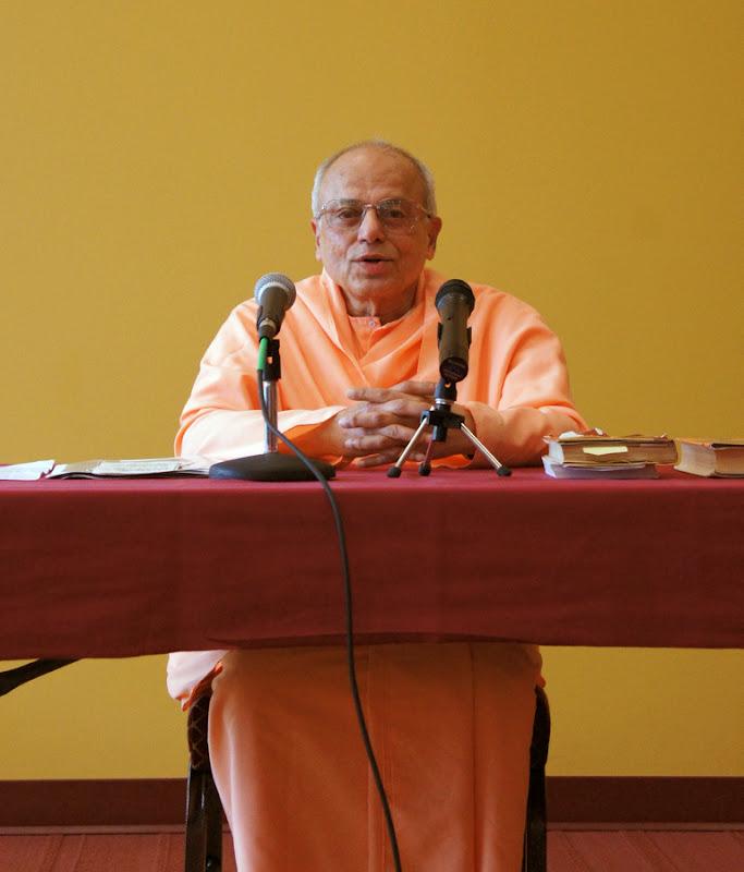 Swami Prapannananda, head of the Vedanta Society in Sacramento