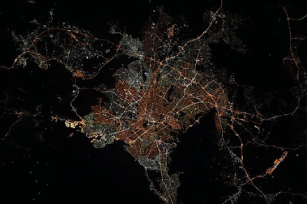 Η Αθήνα τη νύχτα μέσα από τον Ευρωπαϊκό Διαστημικό Σταθμό ESA