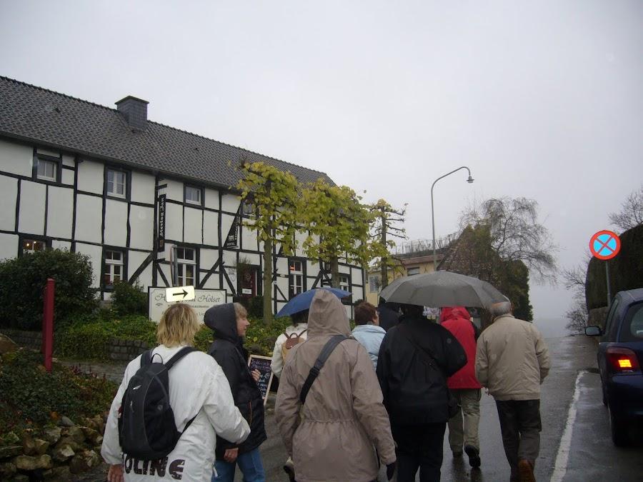 WE_Vaals_wandelen_door_weer_en_wind.JPG