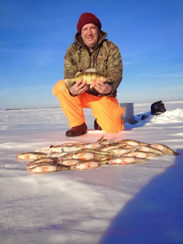 Bry 39 s guide service devils lake report for Devils lake ice fishing reports