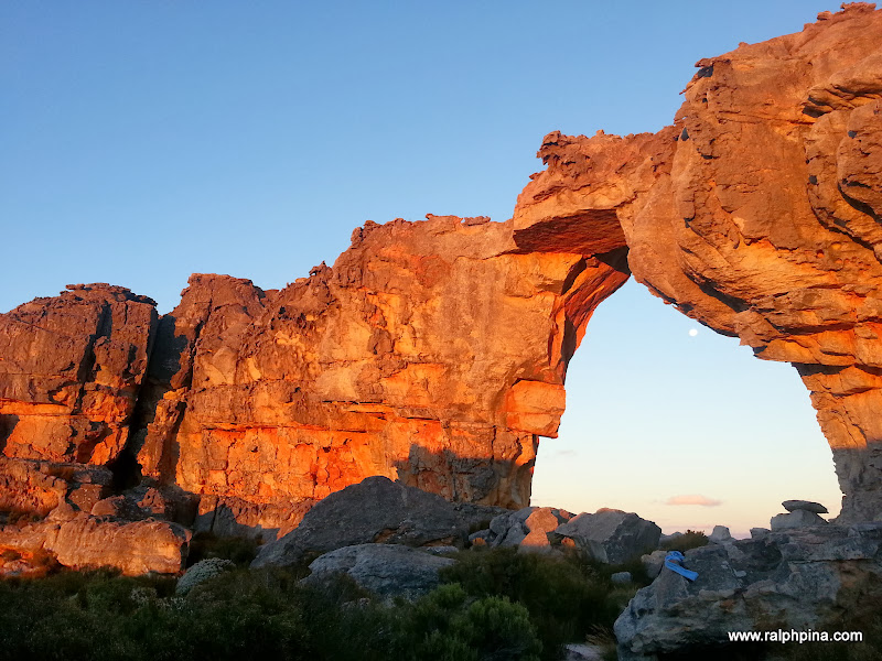 Full moon rising at Wolfberg Arch