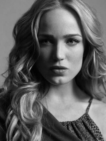 Caity Lotz Profile Pics Dp Images