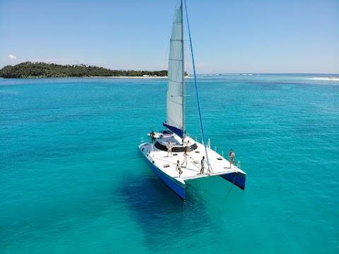 Yacht Island Hopping in Siargao   2021