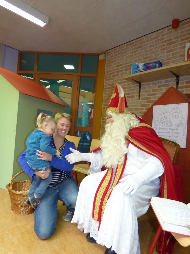De Sint op bezoek! - P1050013.JPG