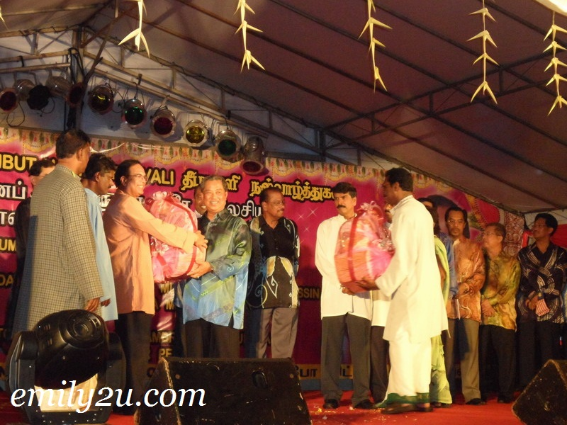 Tan Sri Muhyiddin Yassin Deepavali Little India Ipoh