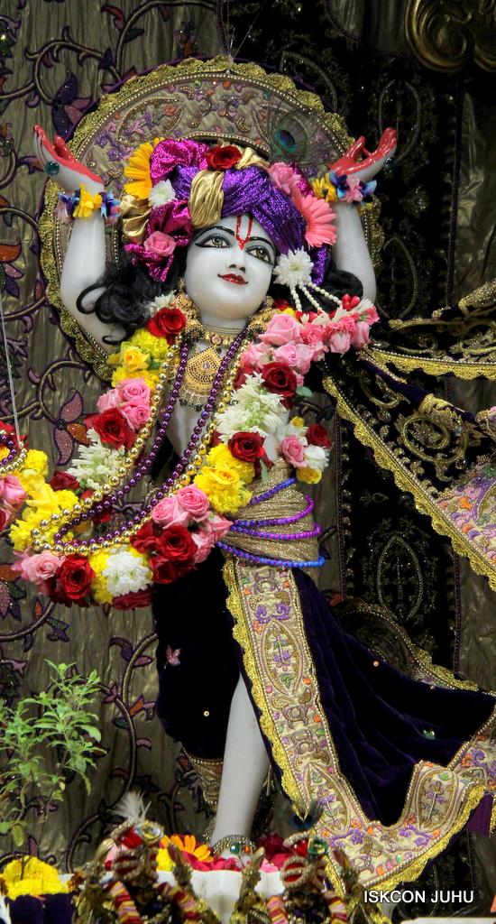 ISKCON Juhu Sringar Deity Darshan on 22nd Oct 2016 (27)