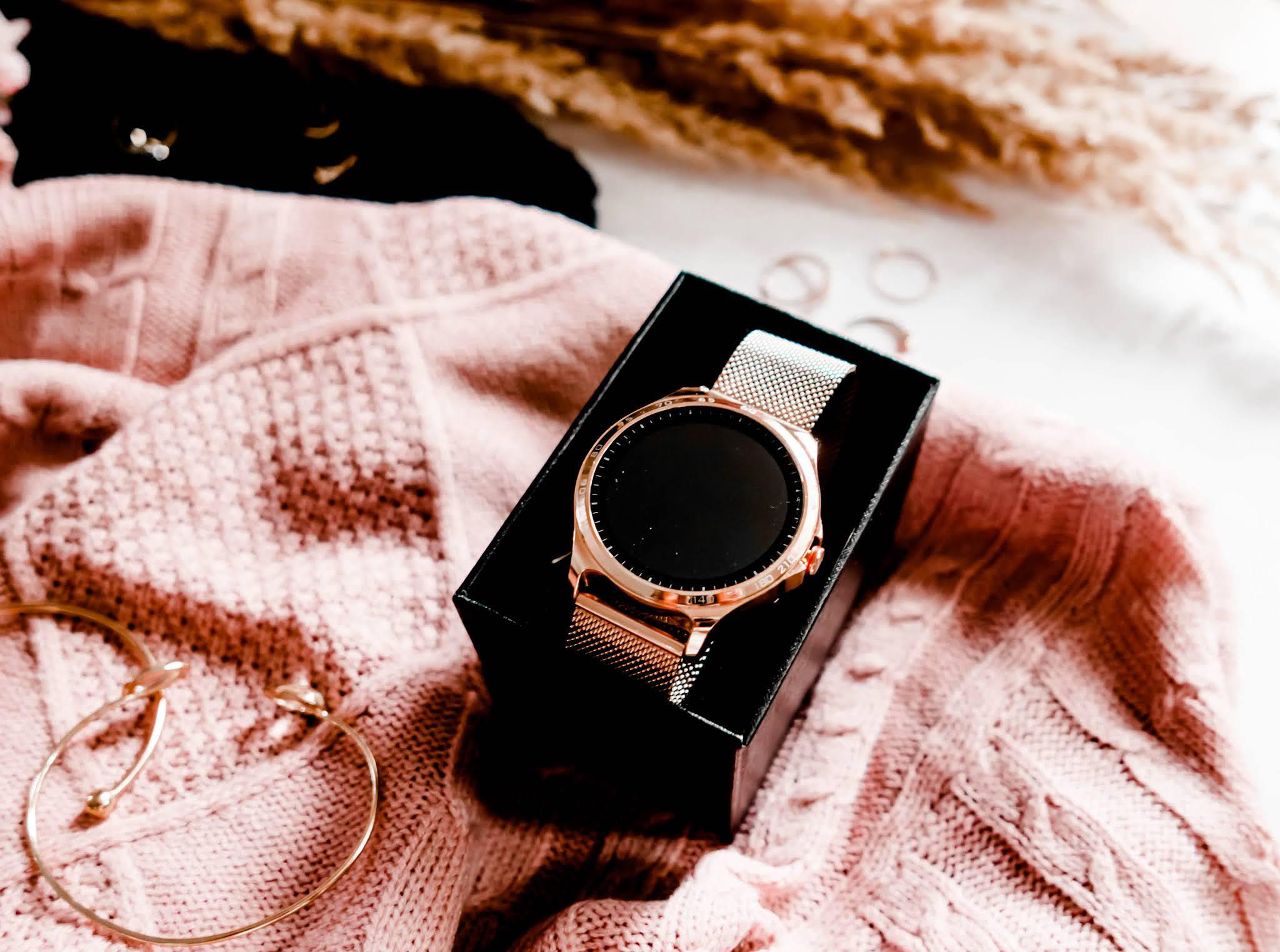 pomysł na prezent dla kobiety - smartwatch garett maya