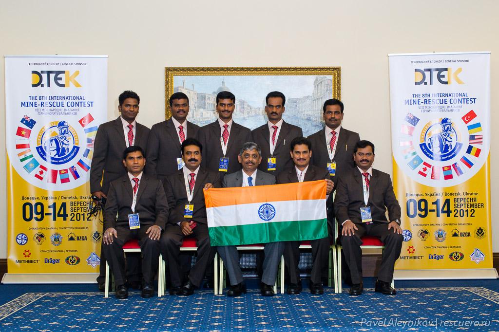 Команда горноспасателей из Индии