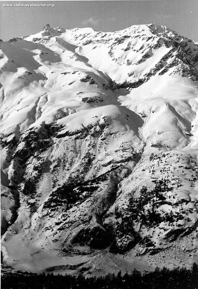 Avalanche Haute Maurienne, secteur Grand Roc Noir, Couloir du Pichet. RD 902 - Photo 1