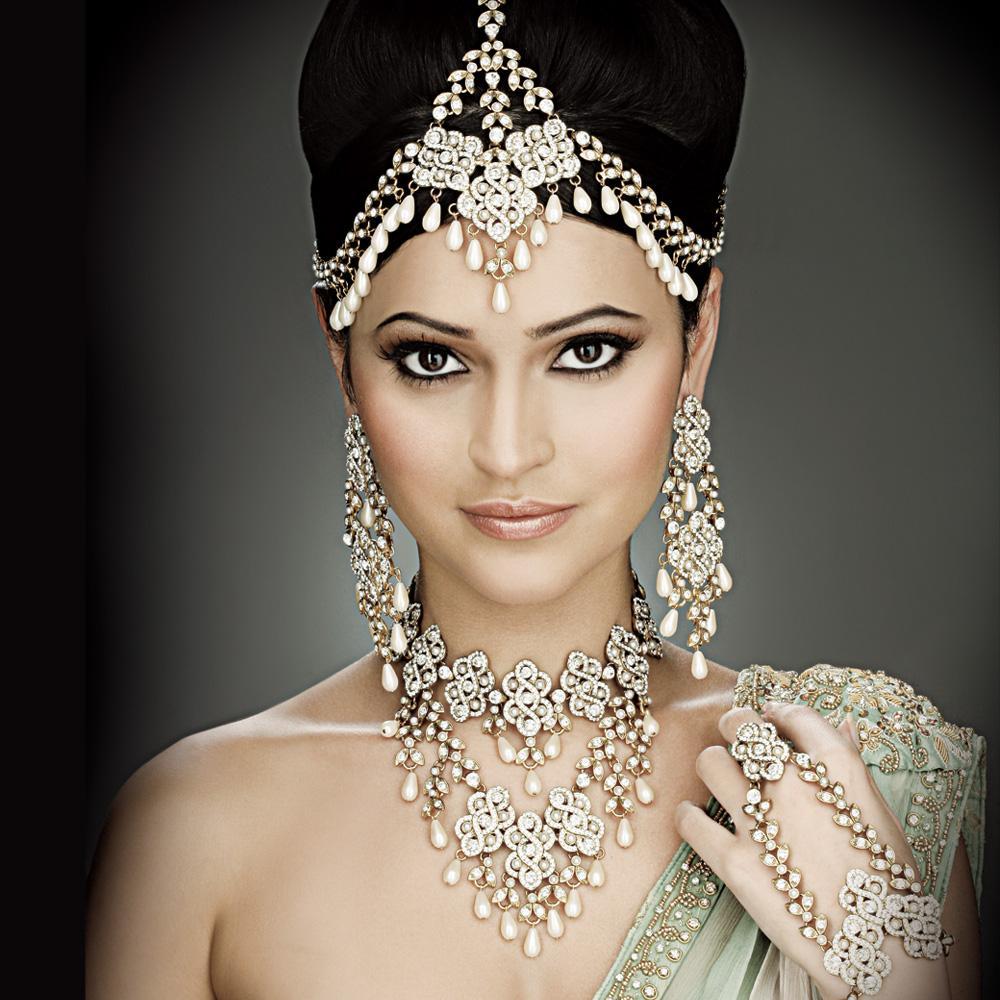 Indian Wedding Headdress: Scottie's Blog: Designer: RED VALENTINO