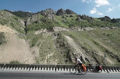 Von Sosnovka zum Töö Pass sind fast 2.000 Höhenmeter zu überwinden