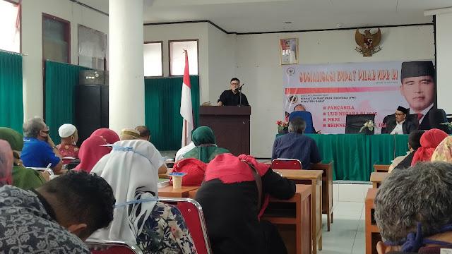 Foto: Sosialisasi Empat Pilar MPR RI oleh Alirman Sori. Piagam Jakarta Bentuk Toleransi Pendiri Bangsa.
