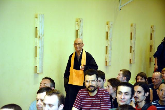 Дзадзэн с Сёдо Харада Роси в Москве - 4un3TBkk4Ds.jpg