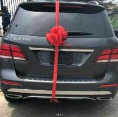 Nigerian Richest female Linda Ikeji buys her Sister A new Car.