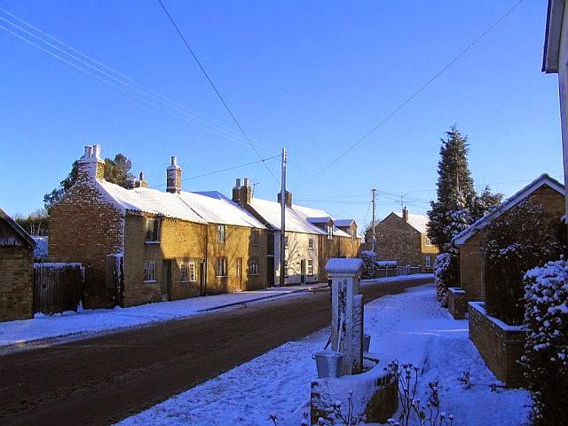 Woodhurst In The Snow - 2788298510233_0_BG.jpg