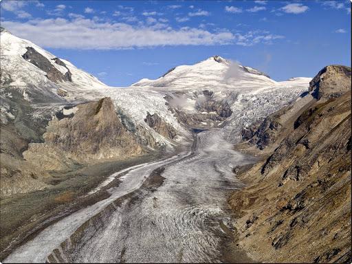 Pasterze Glacier, Hohe Tauern National Park, Austria.jpg