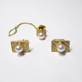 18K Gold & Pearl Tie Pin & Cufflinks