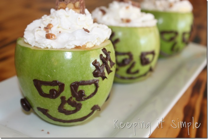 #ad SNICKERS®-Apple-Salad-Served-in-a-Frankenstein-apple #BooItForward (19)