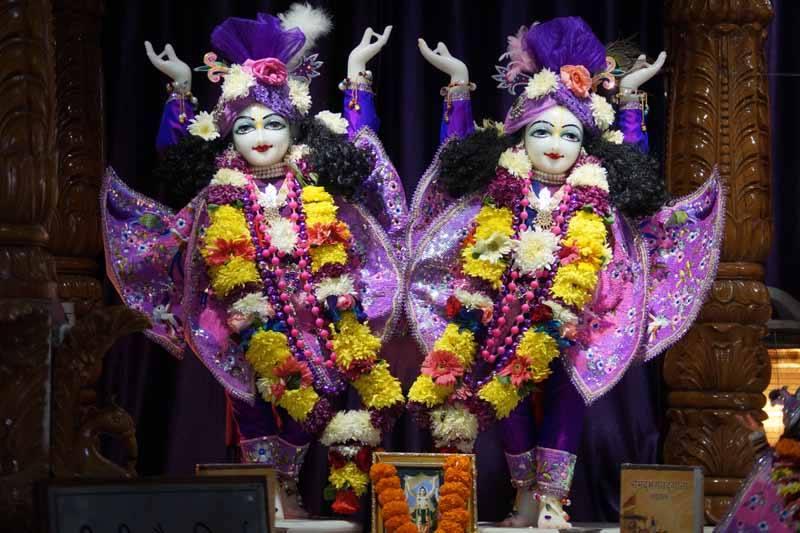 ISKCON Noida Deity Darshan 19 Dec 2015 (7)