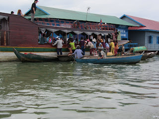 0029Tonle_Sap_Lake_Floating_Village