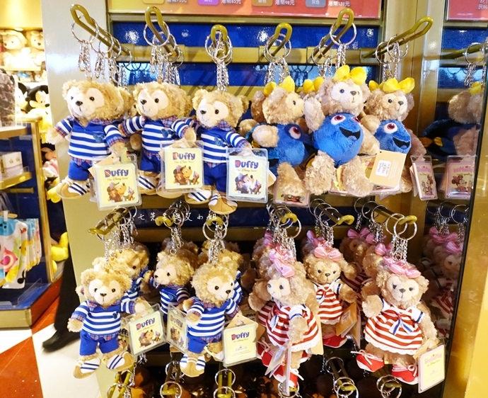 37 香港機場 迪士尼奇妙店 買達菲熊免進迪士尼樂園