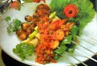 Resep masakan Istimewa olahan seafood kali ini adalah membuat sate seafood pelangi RESEP SATE SEAFOOD PELANGI