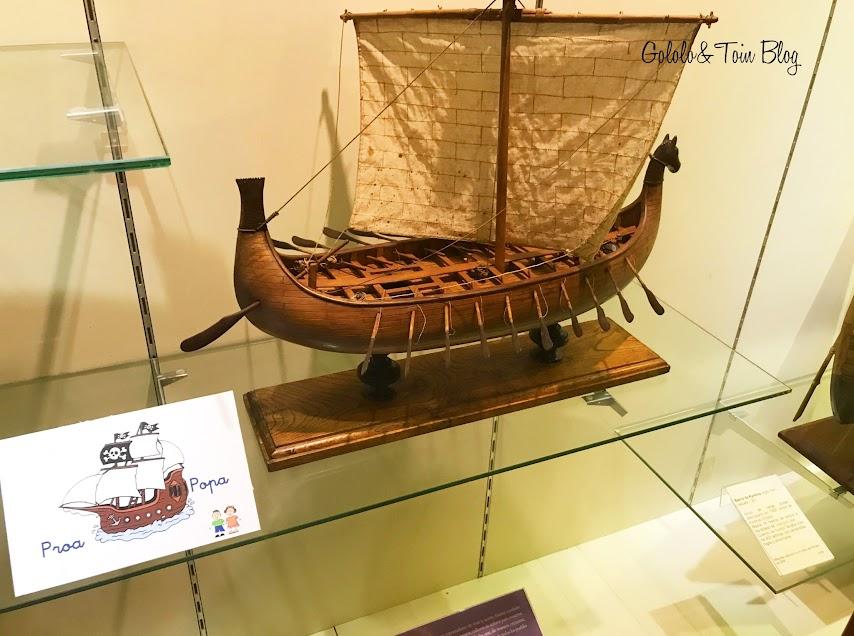 Maquetas de barcos en el Museo Marítimo de Asturias