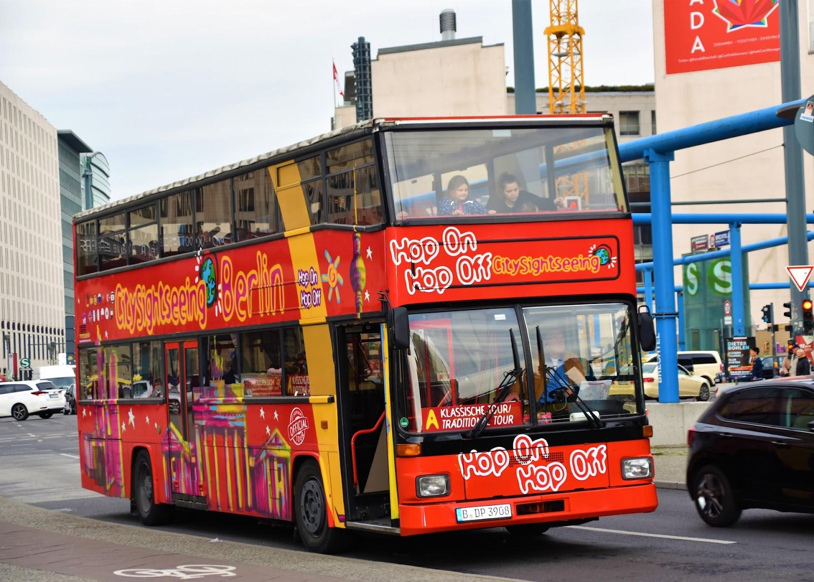 Wie funktionieren Hop-on und Hop-off Busreisen?