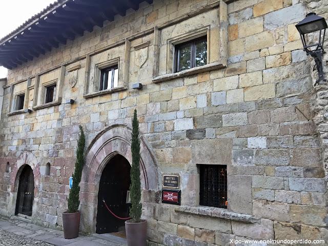 casa-leonor-de-la-vega-santillana-del-mar.jpg