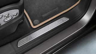 2014-Porsche-Cayenne-Platinum-edition