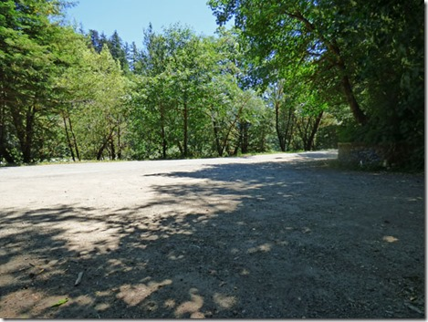 Parking at the Redwood Trail, end of Riverview Trail
