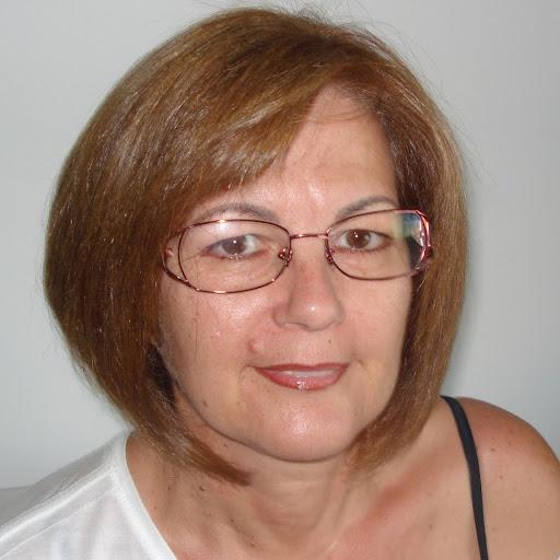 Gina Bravo Photo 16