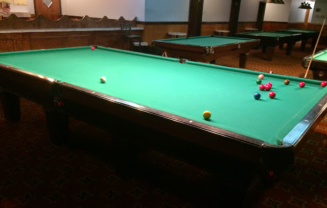 Snooker cues for sale at limit pool karaoke in east for Pool show mi
