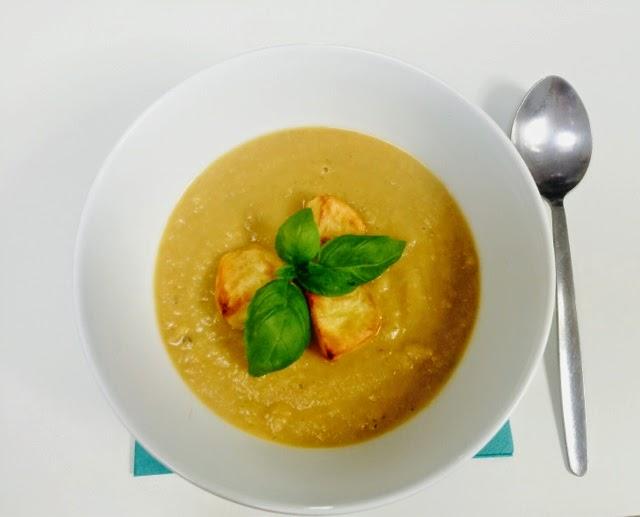 Creamy roasted garlic and potatoe soup