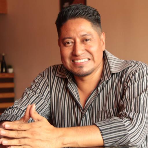 Rudy Sandoval Photo 21
