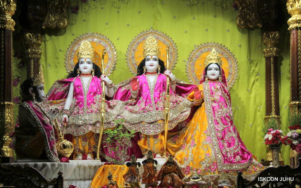 ISKCON Juhu Mangal Deity Darshan on 12th Sep 2016   (6)