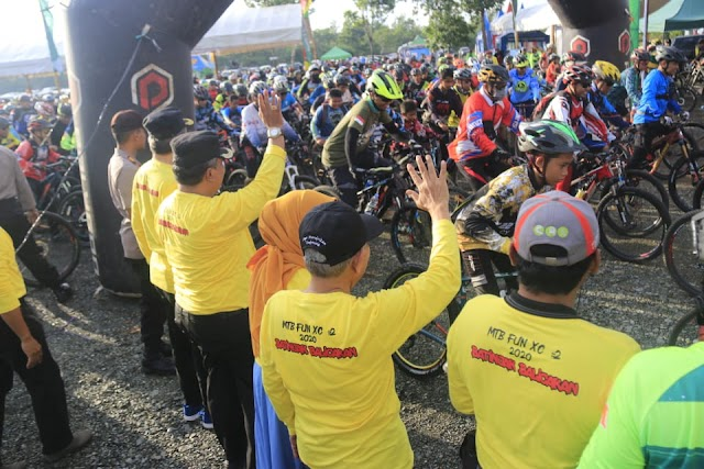 Tempuh Jarak 23 Km, Ribuan Biker Rela Batinjak Balicak