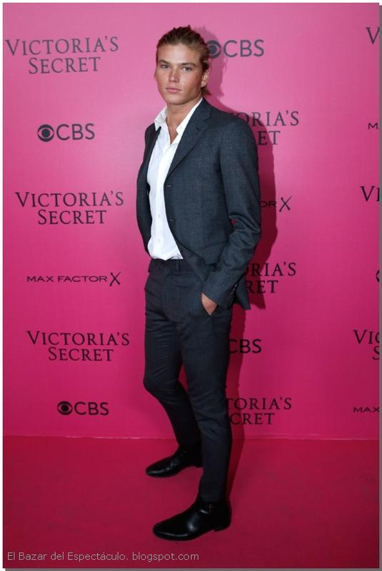 Jordan Barrett Pink Carpet 2016 VS Fashion Show.jpg