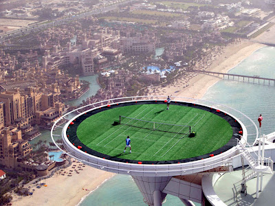 Campo de Ténis mais elevado do Mundo. World's Highest Tennis Court. Burj al-Arab in Dubai